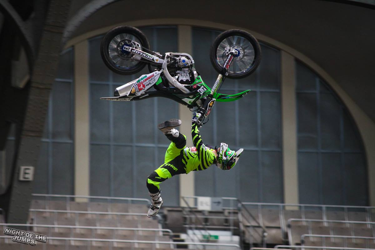 squibb freestyle motocycle stuntshow and providing fmx in the uk